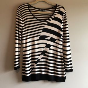 Cable & Gauge Sweaters Size Small